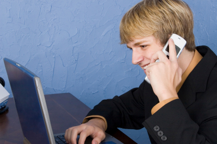 E-Netz Provider E-Plus bietet Handys und Tarife unter der Marke BASE
